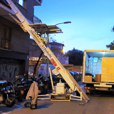 Corte de calle por mudanza, Barcelona