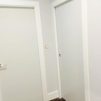 barnizado y colocación de puertas