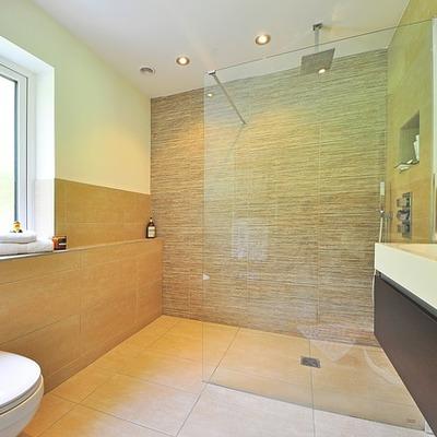 Reforma de baño con plato de ducha