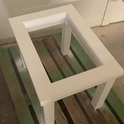 Mesa de centro lacada.
