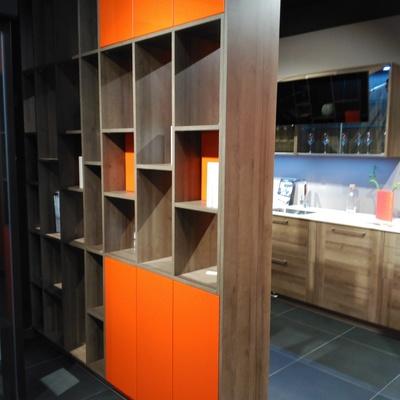 Biblioteca divisoria cocina - comedor