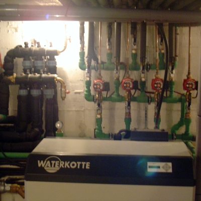 Bomba geotermia de la marca Waterkotte de 27kw