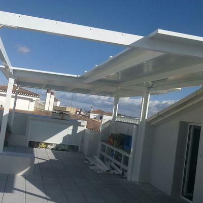 placas de techo formando un tejado