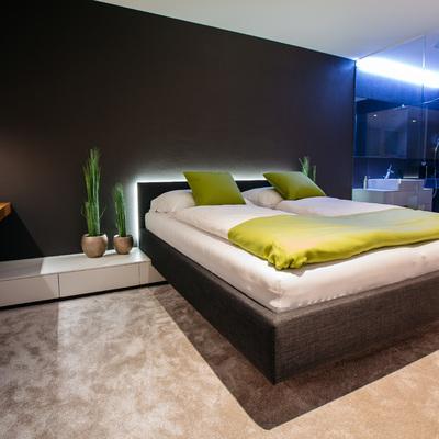 Iluminación inteligente en un dormitorio