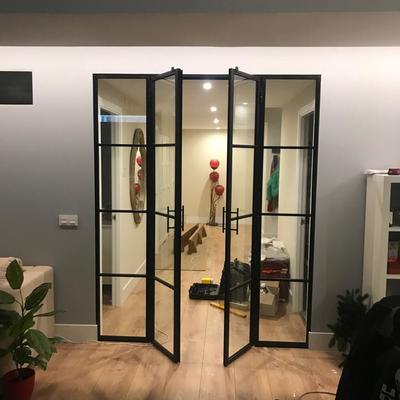 Puerta abatible en forja
