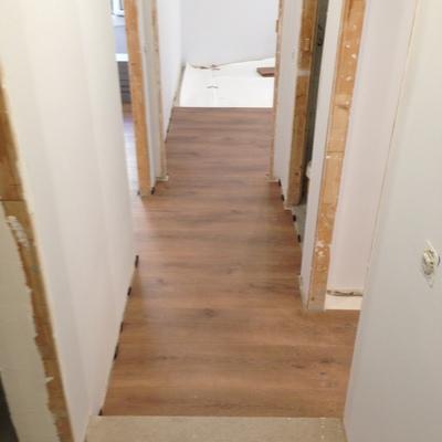 Badalona parquet, escaleras, puertas y baños 2