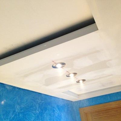 Falso techo, para aislar tuberias de campana extractora.