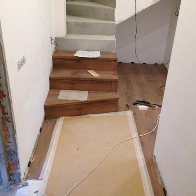 Badalona parquet, escaleras, puertas y baños 4