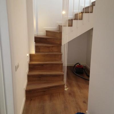 Badalona parquet, escaleras, puertas y baños 5