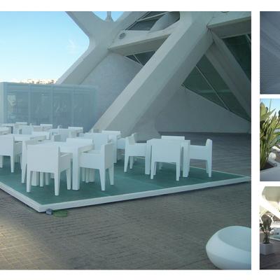 Cafetería exterior en Ciudad de las Artes