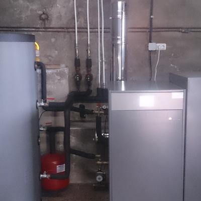 Caldera de pellet de 25 kW para agua caliente y calefacción