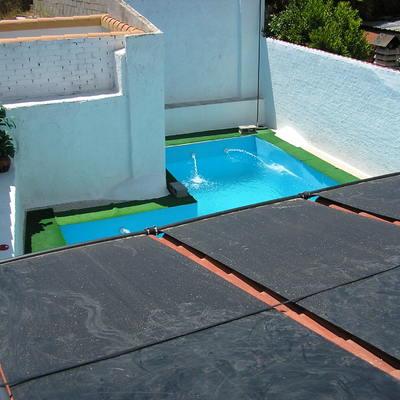 Calentamiento de piscinas con Placas de Polipropilneno