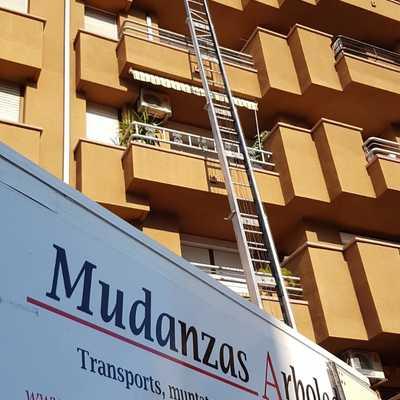 Mudanza en calle Girona de Granollers