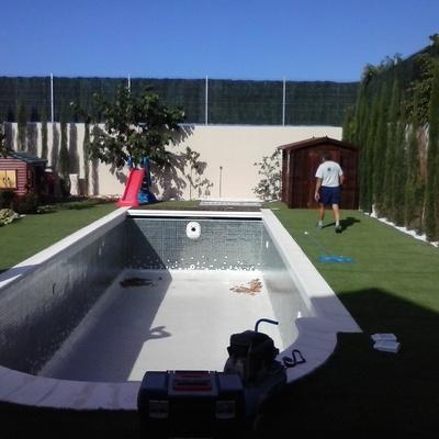 Hacemos piscinas