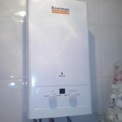 Instalación de calentador de gas automático