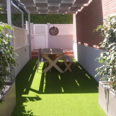 Terrazas, patios y áticos
