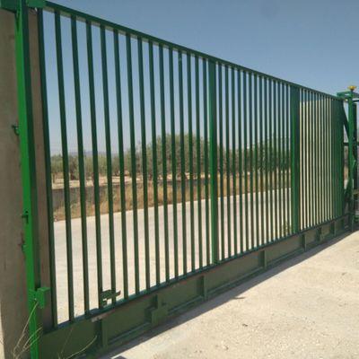 Puerta corredera industrial  de rejas
