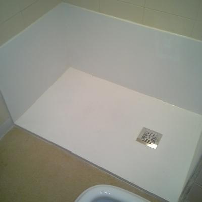 Cambio de bañera por plato de ducha de resinas.