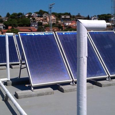Captadores solares en Complejo Deportivo Municipal