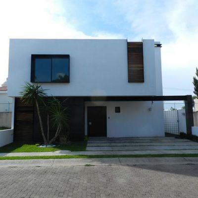 Casa AJ - Fachada principal