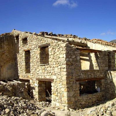 Construcción de casa de piedra