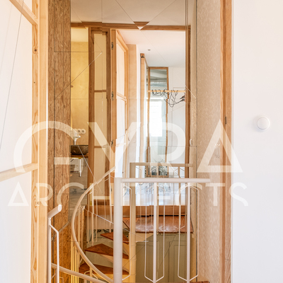 Casa RC. Escalera y taller de pintura