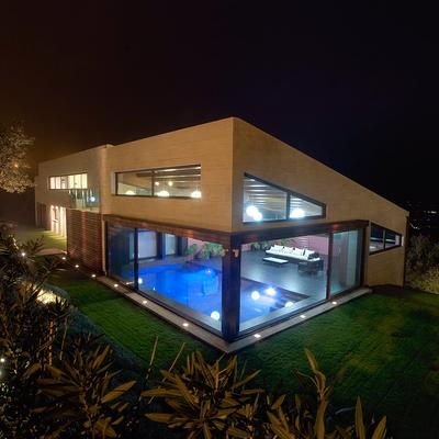 Casa unfifamilar de 1000 m2 construidos