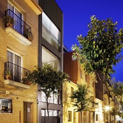 Casa unifamiliar entre medianeras en Sant Andreu (Barcelona)