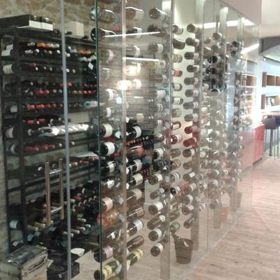 Cava de vinos en un restaurante