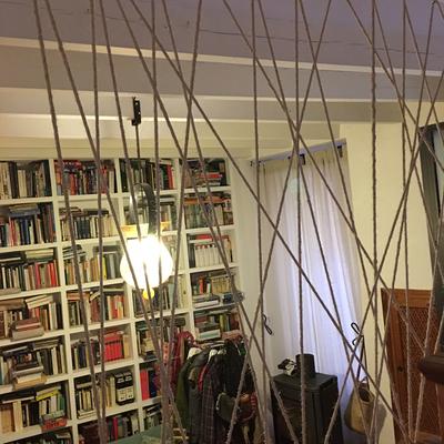 Arte cuerda y barandilla