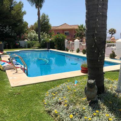 Y en verano nada no es mejor que la piscina limpia y la familia al lado