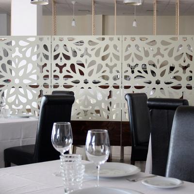Celosía separación en restaurante