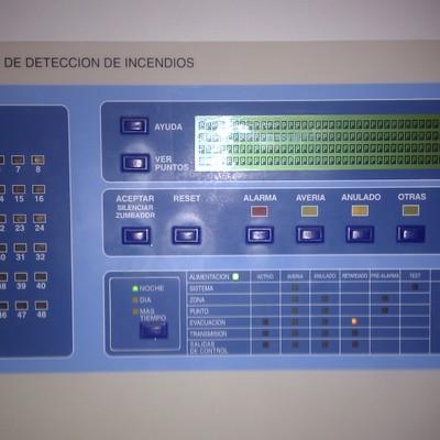 Central de alarma de incendio analogica