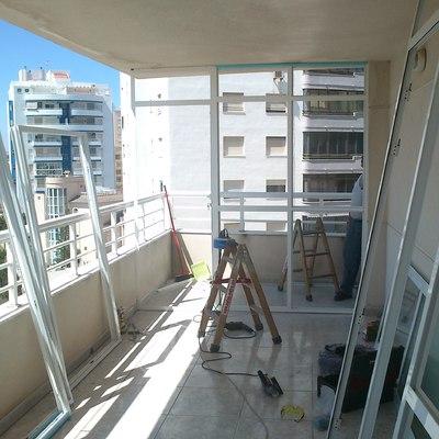 Cerramiento balcón apartamento playa