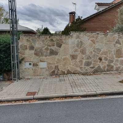 Cerramiento de piedra para casa