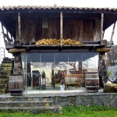Cerramiento de hórreo en Siero (Asturias)