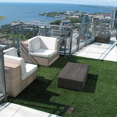 Césped artificial en terrazas y balcones