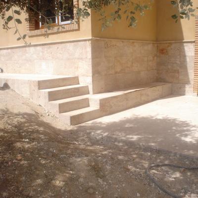 Chapado y escalera de piedra valdepeñas