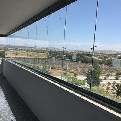 Balcón de una Vivienda (Madrid - C. Propietarios)