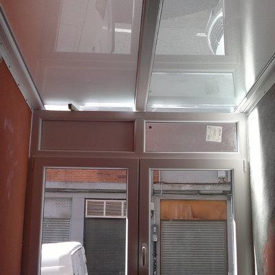 Cierre de tendedero con techo