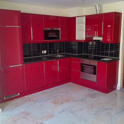 cocina abstrack rojo brillante