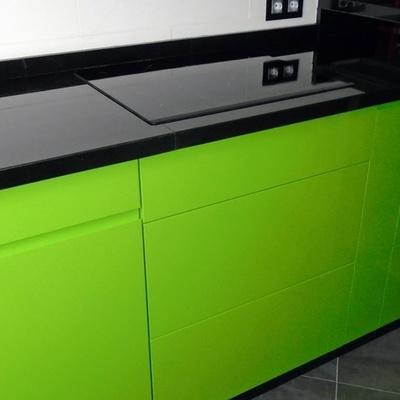 Cocina lacada en color