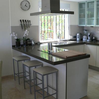 Ideas y fotos de cocinas en fuengirola m laga para for Enchapes cocinas modernas