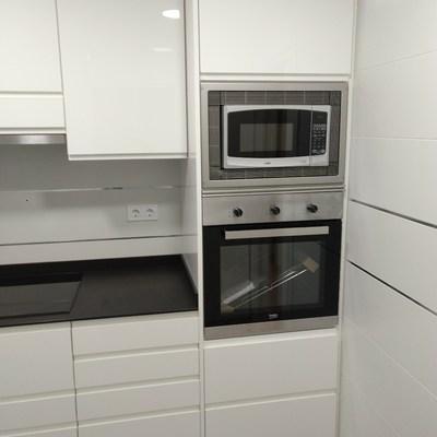 columna para horno y microondas