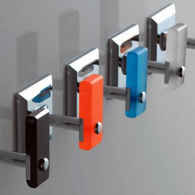Colgadores cromados y colores de TL BATH