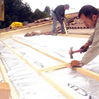 Colocación de Aislante en tejado en Teis