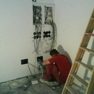 Colocación de mecanismos electricos