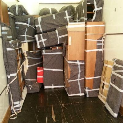 colocacion de muebles y cajas