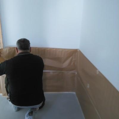 colocacion de papel para pintura de suelo