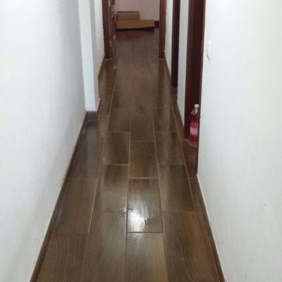 colocación de pavimento gres imitacion madera